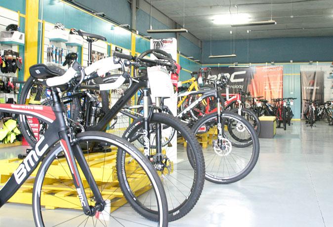tienda-bicis-lual-bike-exposicion-bicis-1