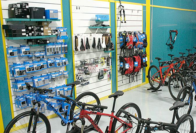 tienda-bicis-lual-bike-zona-accesorios-1