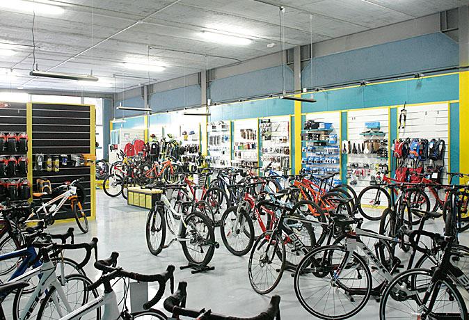 tienda-bicis-lual-bike-zona-accesorios-2