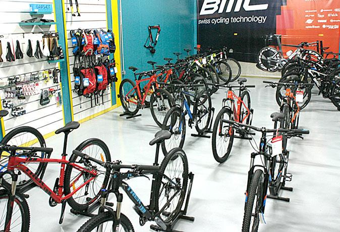 tienda-bicis-lual-bike-zona-accesorios-3