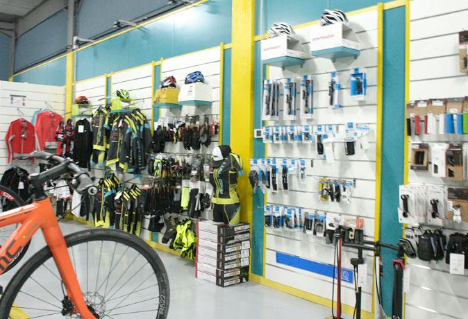 tienda-bicis-lual-bike-zona-accesorios-4